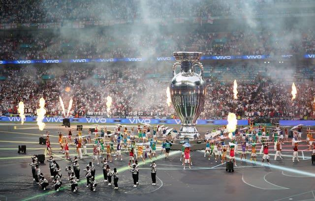 The closing ceremony took place before kick-off