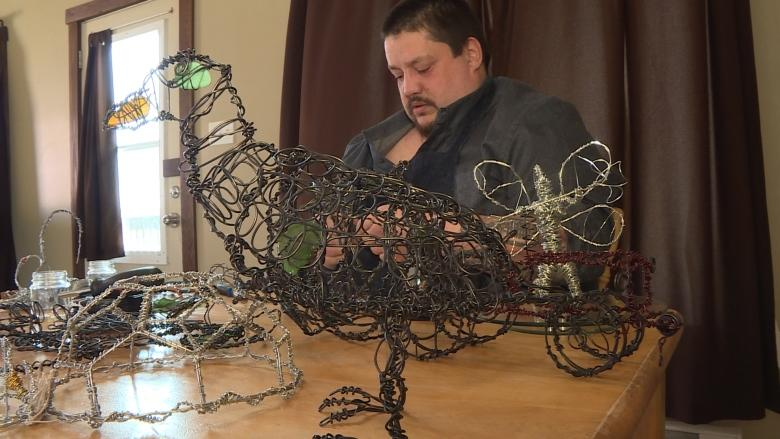 'Wireologist' can create almost anything from metal twine