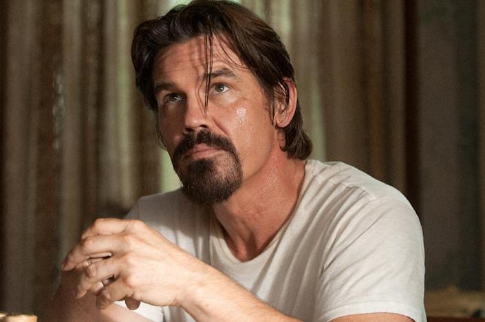 """This image released by Paramount Pictures shows Josh Brolin in a scene from """"Labor Day."""" (AP Photo/Paramount Pictures, Dale Robinette)"""