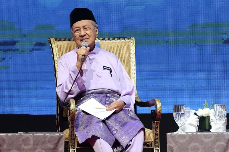 Prime Minister Tun Dr Mahathir Mohamad last week said the country's diabetes rate is very high as Malaysians take too much sugar. — Picture by Yusof Mat Isa