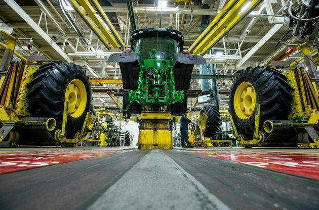 Production at John Deere's Waterloo, Iowa, assembly plant. The United Auto Workers hasn't declared a strike against Deere since 1986. (Photo: via Associated Press)