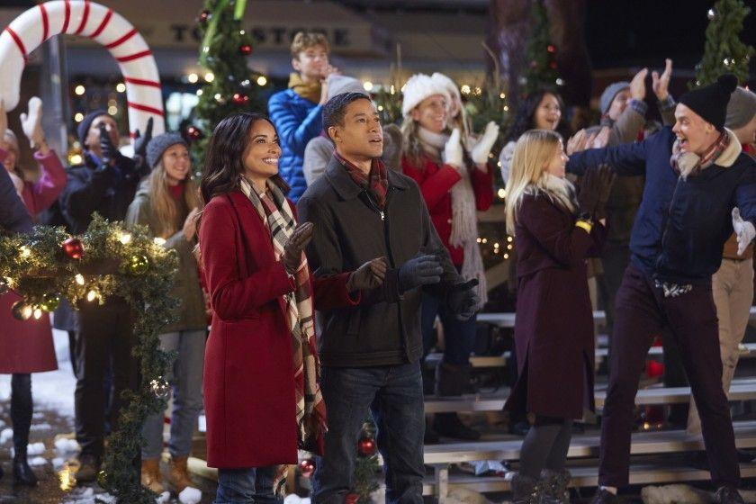 <p>Every Christmas party needs the perfect tree, and Erin (Rochelle Aytes) has her eye on the one her town's festivities need. Unfortunately, it resides on the property of a resident who's not keen on letting it go. On the bright side, Kevin (Mark Taylor) is a dreamy firefighter who'll probably be worn down eventually.</p>