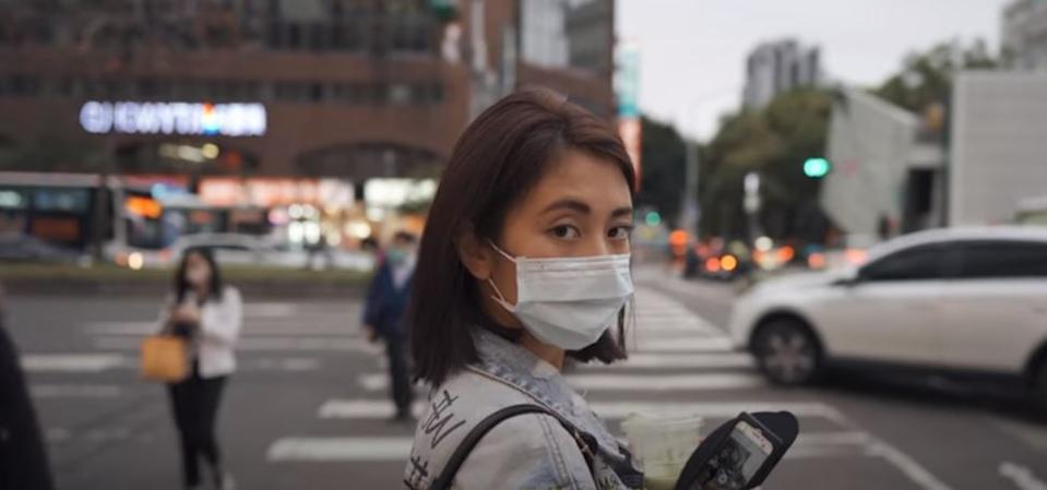 Victor和Grace拍攝台北街頭的日常。  Victor and Grace filmed Taipei's streets during the pandemic(圖/翻攝自影片  Screenshot from YouTube)