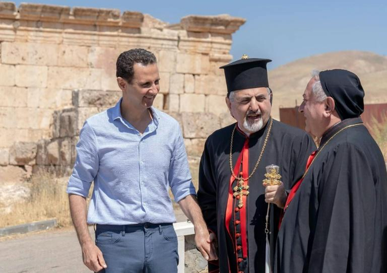 The United States says that Syrian President Bashar al-Assad, seen here meeting church leaders in July 2019, has repeatedly used chemical weapons (AFP Photo/-)