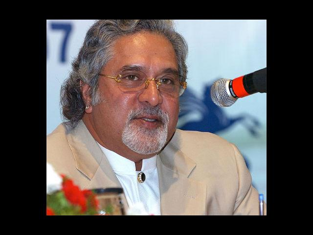 <b>8. Vijay Mallya</b><br> Nobody knows it better than the Indian liquor-baron, Vijay Mallya on how to flaunt luxuriance, how to be flashy. He has a penchant for white suits, flaunts those glittery rings all the time and also sports beautiful watches.