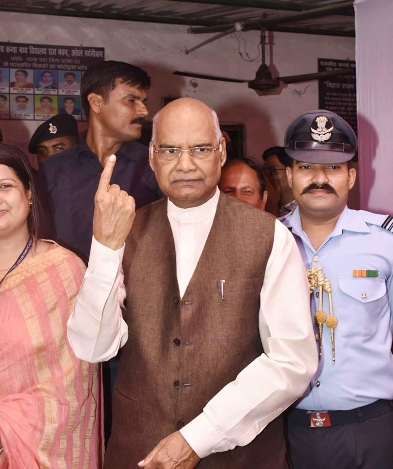 <p>Kovind married Savita on May 30, 1974 and has two children, a son Prashant Kumar and a daughter Swati. </p>