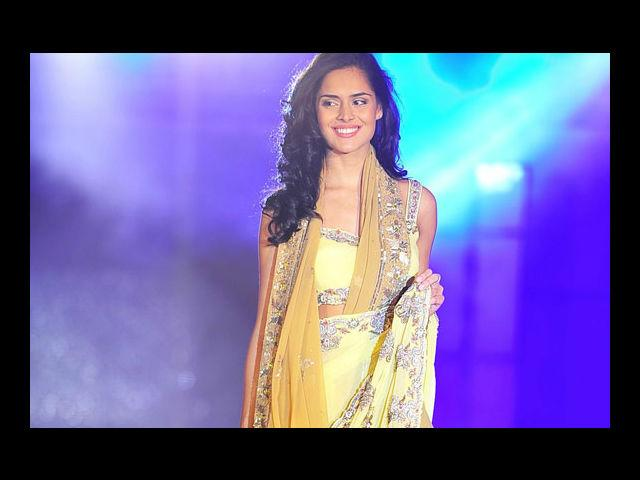 <b>16. Nathalia Kaur</b><br>Brazilian model, she has been working in India for over a year. Besides modeling for the Kingfisher calendar, she is also doing some Hindi and South Indian movies.
