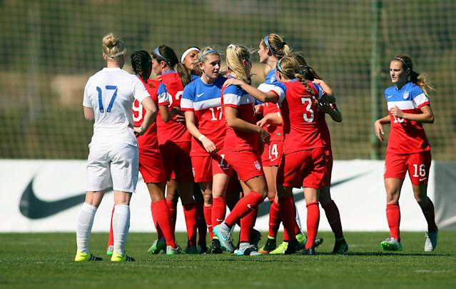 LA MANGA, SPAIN - MARCH 04: The players of USA celebrate after scoring their team's first goal during the women's U23 international friendly match between USA U20 and England U23 on March 4, 2016 in La Manga, Spain. (Photo by Johannes Simon/Bongarts/Getty Images)