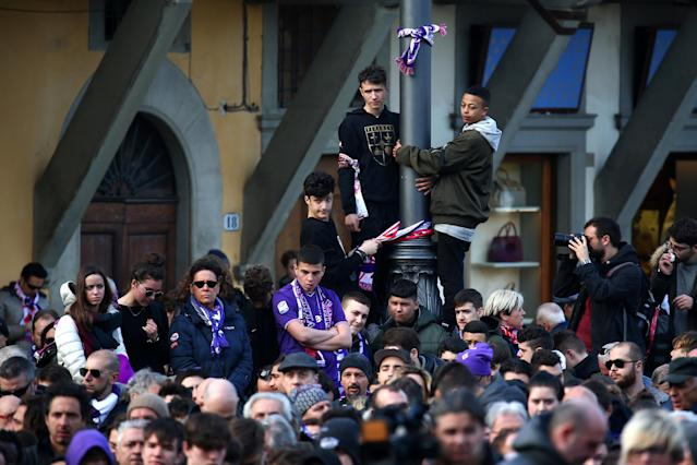 <p>Soccer Football – Davide Astori Funeral – Santa Croce, Florence, Italy – March 8, 2018 People outside the church during the funeral REUTERS/Alessandro Bianchi </p>