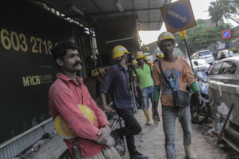 Rights groups issue fact sheet on migrant workers