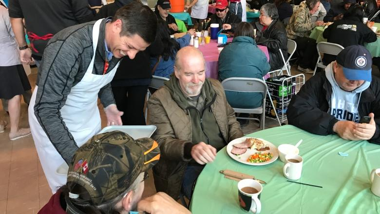 Agape Table dishes up Easter meal for Winnipeg's less fortunate