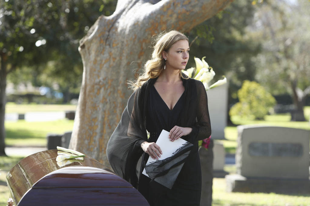 """Retribution"" - Still reeling from the devastation on The Amanda, Emily's commitment to justice and revenge is stronger than ever, while the Hamptons mourn the loss of one of their own, on ""Revenge."""