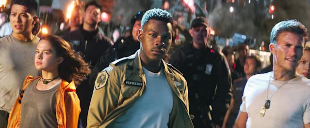 John Boyega didn't bring the <em>Star Wars</em> magic to <em>Pacific Rim: Uprising.</em> (Photo: Universal Pictures/Courtesy Everett Collection)