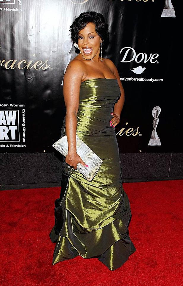 "Also in attendance ... TV's other sassiest and brassiest broad, ""Clean House"" and ""Reno 911!"" star Niecy Nash, who popped a pose in a strapless green metallic gown. Jemal Countess/<a href=""http://www.gettyimages.com/"" target=""new"">GettyImages.com</a> - June 3, 2009"