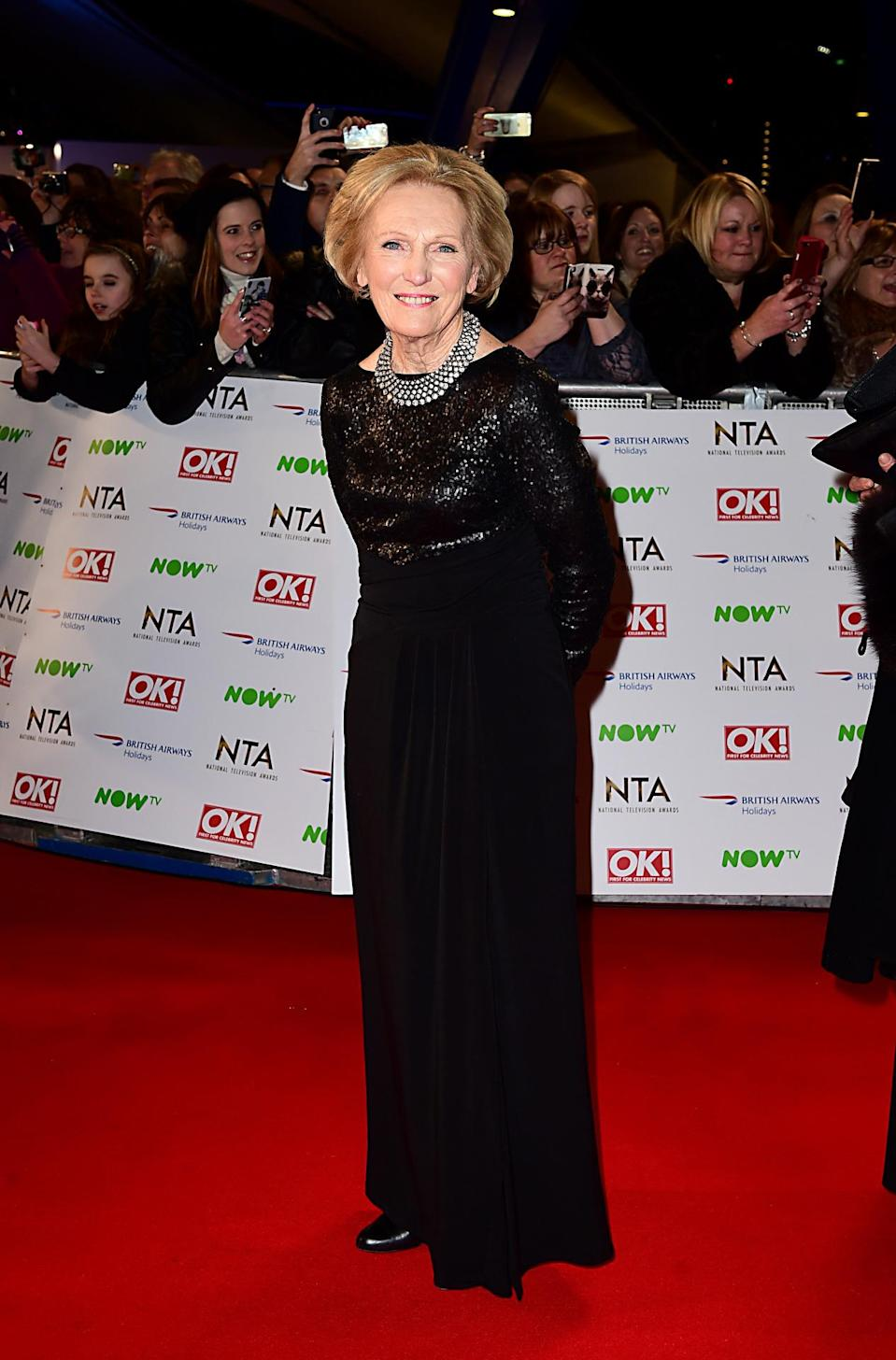 <p>Mary arrived at the National Television Awards looking super chic in a sequinned black gown.</p><p><i>[Photo: PA]</i></p>