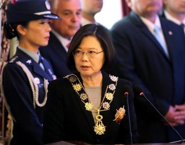 Taiwan's President Tsai Ing-wen speaks after being decorated with the Mariscal Francisco Lopez medal, the country's highest honor, during a ceremony in the Lopez Presidential Palace in Asuncion, Paraguay June 28, 2016. REUTERS/Jorge Adorno