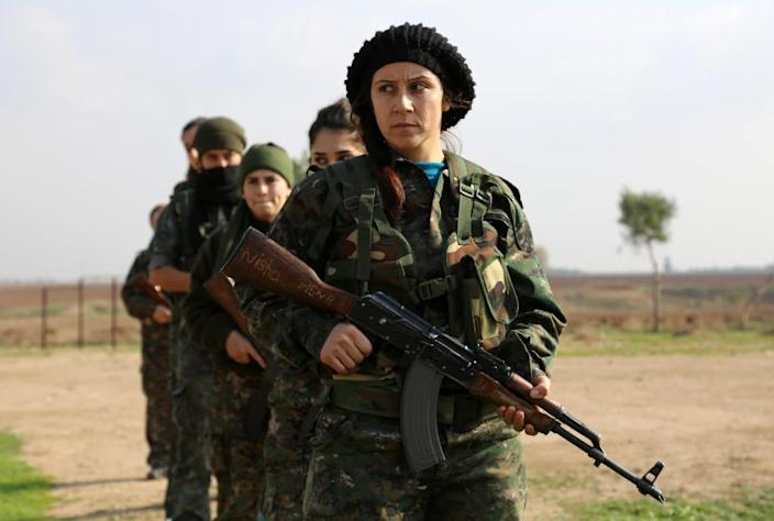 """Syriac Christian members of the """"Female Protection Forces of the Land Between the Two Rivers"""" are fighting the Islamic State group (AFP Photo/Delil Souleiman)"""