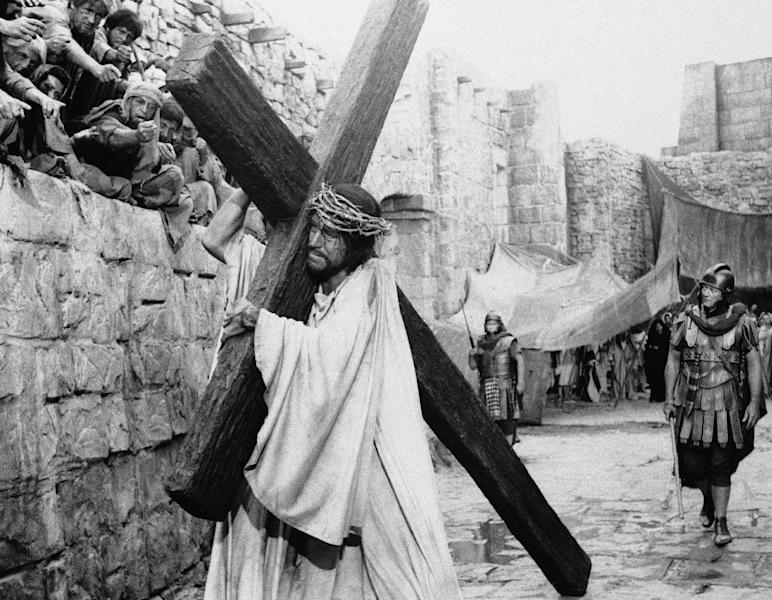 """FILE This 1965 file photo shows actor Max von Sydow as Jesus and John Wayne as the converted centurion in a scene from """"The Greatest Story Ever Told."""" (AP Photo)"""