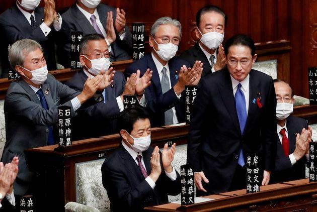 Japan's newly-elected Prime Minister Fumio Kishida is applauded after being chosen as the new prime minister, at the Lower House of Parliament in Tokyo, Japan October 4, 2021. REUTERS/Kim Kyung-Hoon (Photo: KIM KYUNG-HOON via REUTERS)