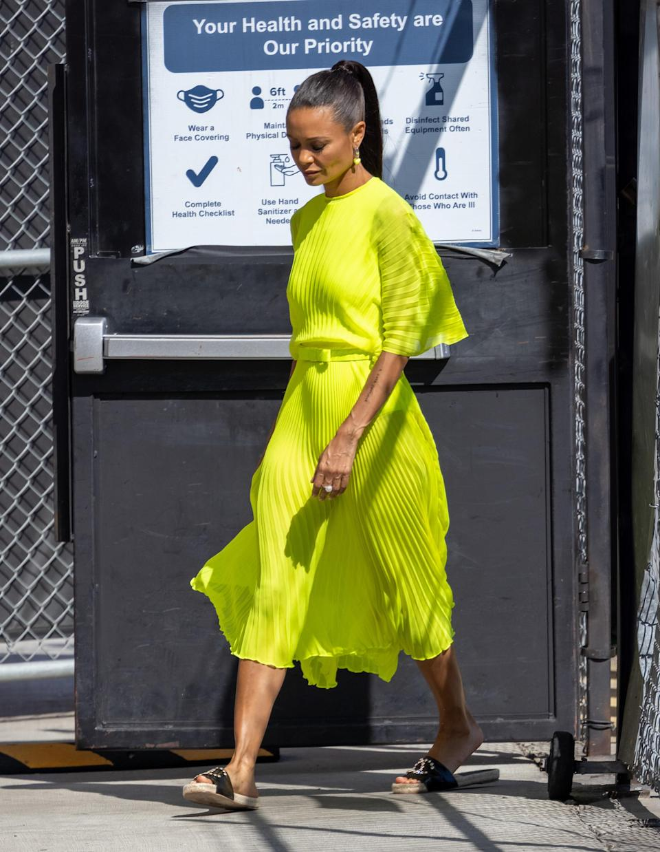 """Thandie Newton enters the """"Jimmy Kimmel Live"""" studios in Los Angeles. - Credit: RB/Bauergriffin.com / MEGA"""