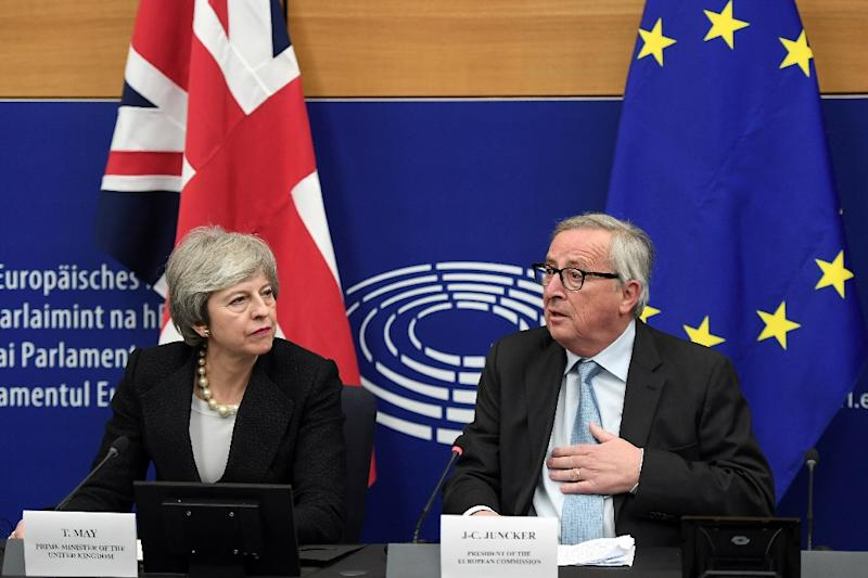 British Prime Minister Theresa May held last-ditch talks with European Commission President Jean-Claude Juncker ahead of a vote in parliament on their Brexit deal (AFP Photo/Frederick FLORIN)