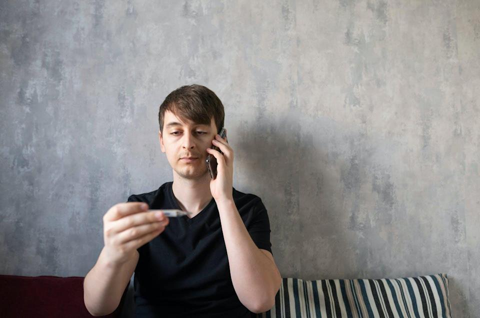 "<span class=""attribution""><a class=""link rapid-noclick-resp"" href=""https://www.shutterstock.com/es/image-photo/young-man-discusses-doctor-on-phone-1682564536"" rel=""nofollow noopener"" target=""_blank"" data-ylk=""slk:Shutterstock / Laktikov Artem"">Shutterstock / Laktikov Artem</a></span>"