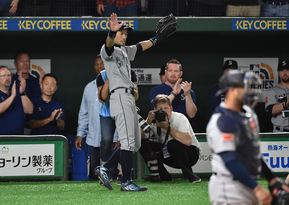 Seattle Mariners Ichiro Suzuki (C, #51) leaves the field in the bottom of eighth inning at the Major League Baseball Japan Opening Series in Tokyo on March 21, 2019. (KAZUHIRO NOGI/AFP/Getty Images)