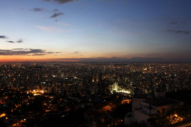 A general view of the Belo Horizonte as the sun sets April 8, 2014. Belo Horizonte is one of the host cities for the 2014 World Cup in Brazil. Picture taken April 8, 2014. REUTERS/Washington Alves (BRAZIL - Tags: CITYSCAPE SPORT SOCCER WORLD CUP TRAVEL)