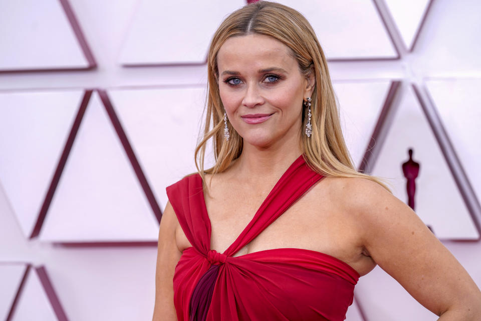 LOS ANGELES, CALIFORNIA – APRIL 25: Reese Witherspoon attends the 93rd Annual Academy Awards at Union Station on April 25, 2021 in Los Angeles, California. (Photo by Chris Pizzello-Pool/Getty Images)