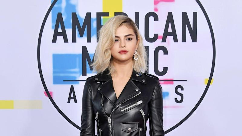 Selena Gomez Goes Blonde for the American Music Awards -- See Her Bangin' New 'Do!