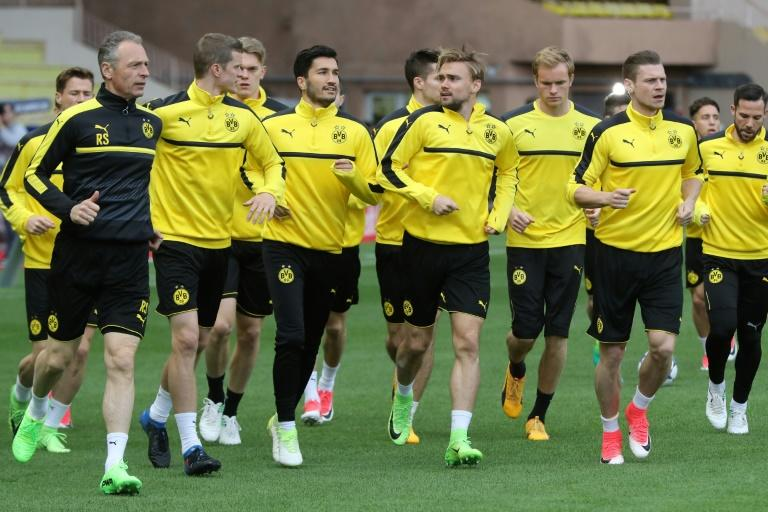 Dortmund's players take part in a training session at the Louis II Stadium in Monaco on April 18, 2017, on the eve of their UEFA Champions League quarter-final 2nd leg match against Monaco