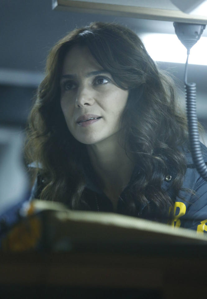 "Parker (Annie Parisse) looks for the followers in the ""The Fall"" episode of ""The Following."""
