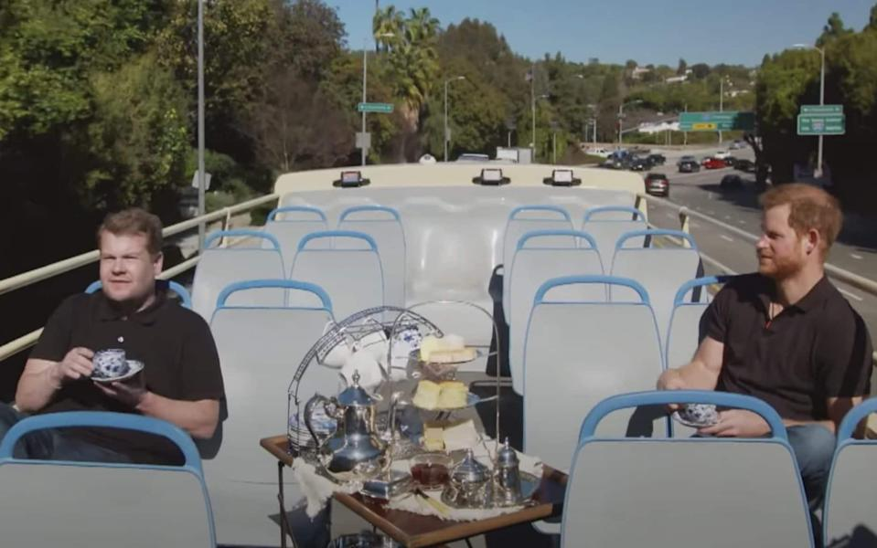 """An Afternoon with Prince Harry & James Corden, Now that the Duke and Duchess of Sussex are settled into Southern California, James Corden thought it was time to show his friend Prince Harry the sights. From tea on an open top bus to visiting the """"Fresh Prince of Bel Air"""" mansion, Prince Harry gets the tour he never dreamed of. Special thanks to Spartan for providing an incredible Spartan Race Obstacle Course to run. - News Scans"""