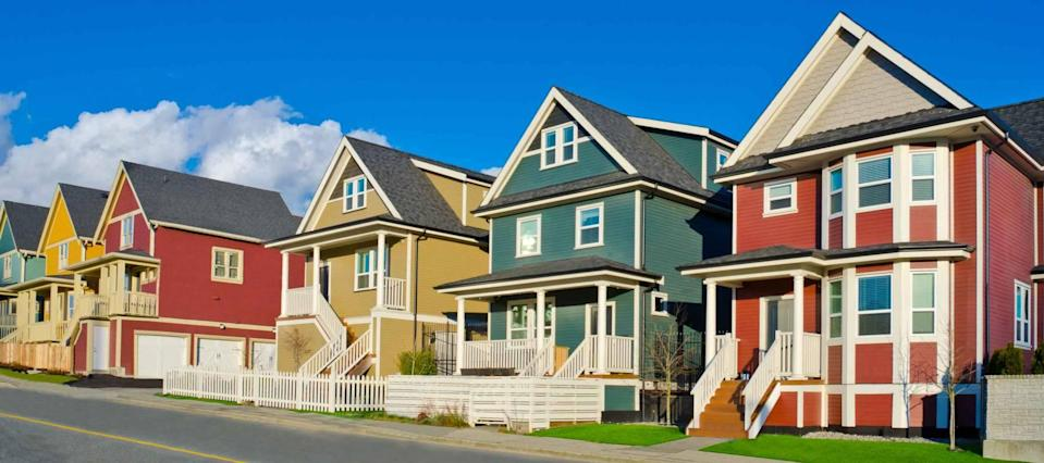 Mortgage rates hit new record low as COVID news grows uglier