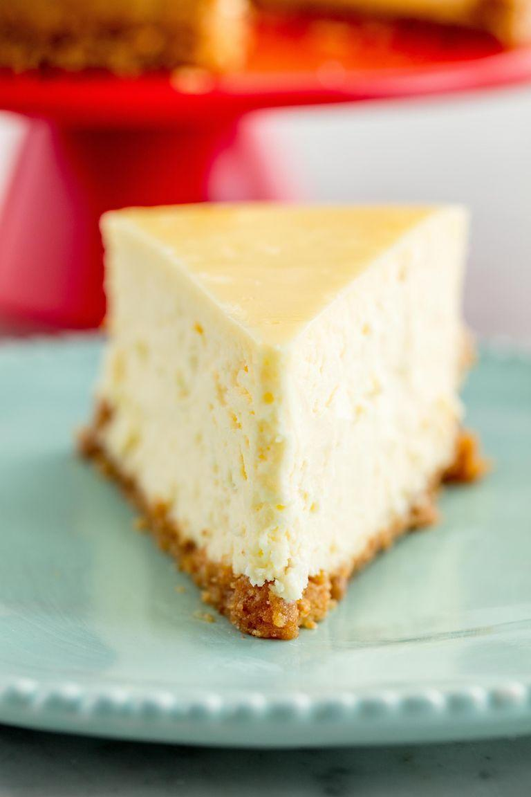 """<p><a href=""""https://www.delish.com/uk/cooking/recipes/g30239150/cheesecake-recipes/"""" rel=""""nofollow noopener"""" target=""""_blank"""" data-ylk=""""slk:Cheesecake"""" class=""""link rapid-noclick-resp"""">Cheesecake</a> is one of those desserts that's amazingly classic—making one kinda feels like a rite of passage. And this recipe. Well, it's the ultimate cheesecake recipe. </p><p>Get the <a href=""""https://www.delish.com/uk/cooking/recipes/a34781958/easy-classic-cheesecake-recipe/"""" rel=""""nofollow noopener"""" target=""""_blank"""" data-ylk=""""slk:Classic Cheesecake"""" class=""""link rapid-noclick-resp"""">Classic Cheesecake</a> recipe.</p>"""