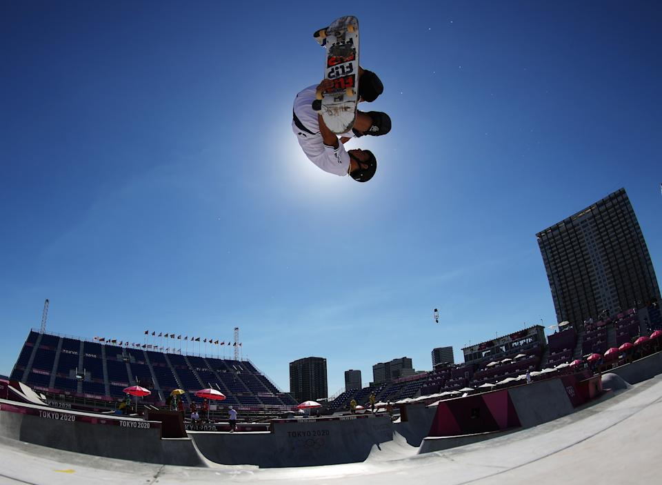 <p>Cory Juneau of Team United States warms up prior to the Men's street on day thirteen of the Tokyo 2020 Olympic Games at Ariake Urban Sports Park on August 05, 2021 in Tokyo, Japan. (Photo by Jamie Squire/Getty Images)</p>