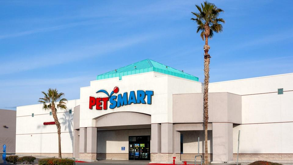 Victorville, California / USA - March 11, 2019: Located at 12624 Amargosa Rd, Victorville, California, Petsmart is a USA retail chain pet store providing pet food, supplies, and services.