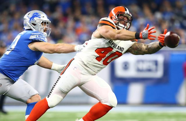 <p>Nick Bellore #43 of the Detroit Lions breaks up a pass intended for Danny Vitale #40 of the Cleveland Browns during the first half at Ford Field on November 12, 2017 in Detroit, Michigan. (Photo by Rey Del Rio/Getty Images) </p>
