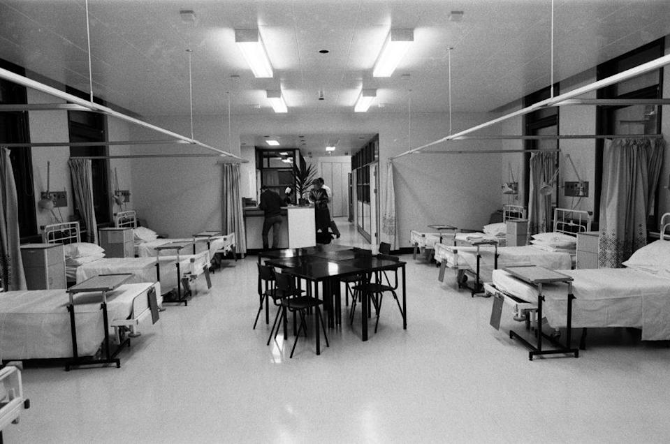 The Broderip AIDS ward at Middlesex Hospital, 1987. (Nigel Wright/Daily Mirror/MirrorpixGetty Images)