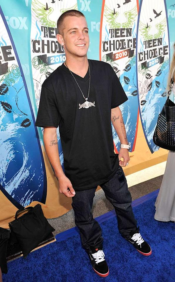 "<b>Ryan Sheckler (Grade: B)</b>  We can't fault the skateboarder for sporting such a casual ensemble, so we'll reward him for his devilish smile and gorgeous green eyes. Kevin Mazur/<a href=""http://www.wireimage.com"" target=""new"">WireImage.com</a> - August 8, 2010"