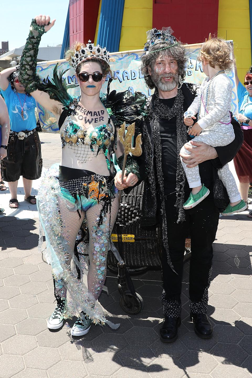 NEW YORK, NY - JUNE 16:  Amanda Palmer, Neil Gaiman, and Anthony Gaiman attend the 2018 Coney Island Mermaid Parade on June 16, 2018 in New York City.  (Photo by Taylor Hill/Getty Images)