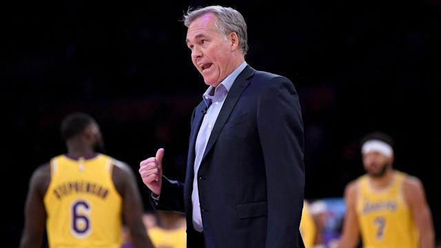 """Stephen Curry was willing to hype up a meeting with the Rockets as he spoke of """"sending a statement"""", but Mike D'Antoni is not interested."""