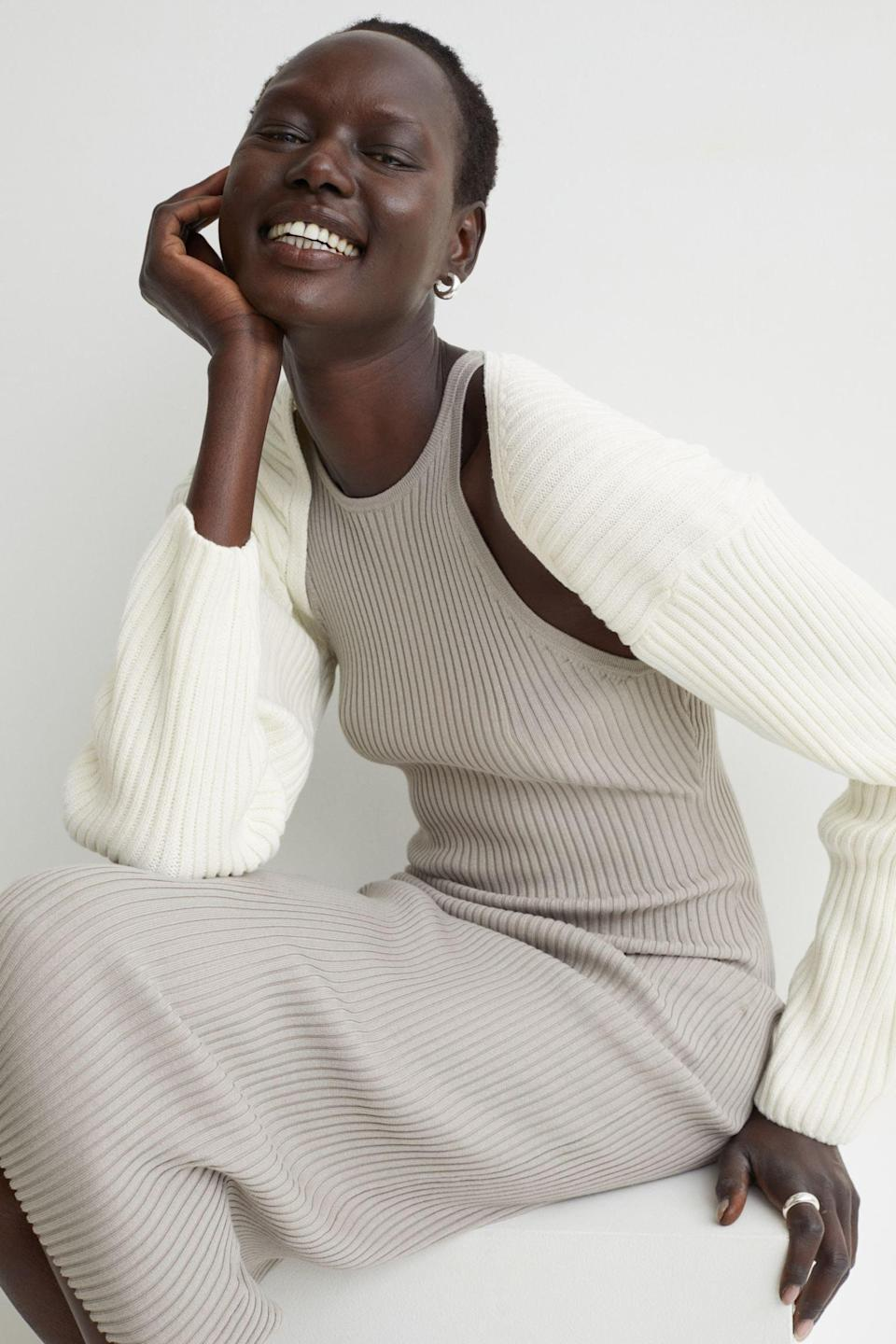 <p>Throw on this <span>H&amp;M Rib-knit Bolero Sweater</span> ($20) with dresses, tanks, and more. It comes in beige and red too.</p>