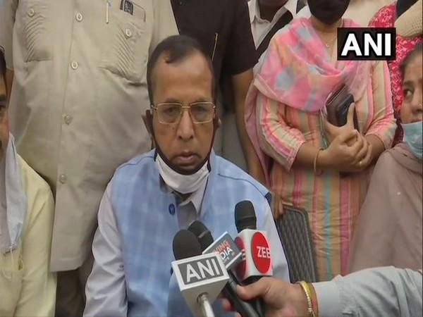Union Minister Som Parkash talking to reporters on Saturday. Photo/ANI