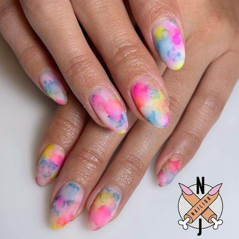 "<p>Tie-dye: Not just for sweatpants, anymore. Dabs of acrylic powder made these swirly wonders possible. </p><p><a href=""https://www.instagram.com/p/CM-V2j2pOu5/"" rel=""nofollow noopener"" target=""_blank"" data-ylk=""slk:See the original post on Instagram"" class=""link rapid-noclick-resp"">See the original post on Instagram</a></p>"