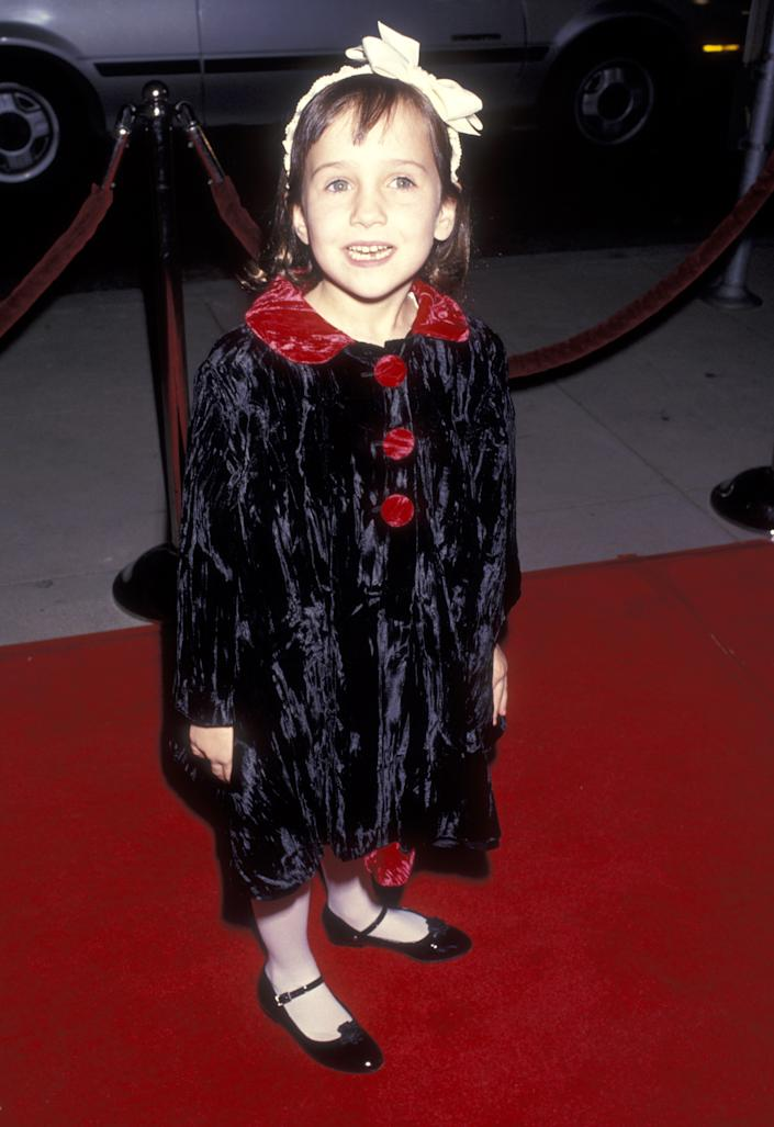 Actress Mara Wilson attends the 'Mrs. Doubtfire' Beverly Hills Premiere on November 22, 1993 at Academy Theatre in Beverly Hills, California. (Photo by Ron Galella, Ltd./Ron Galella Collection via Getty Images)