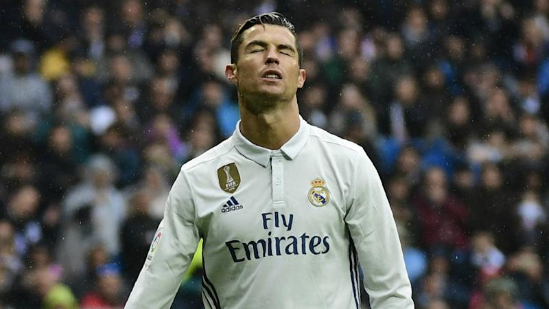 VIDEO: Ronaldo caught out in Real Madrid rondo