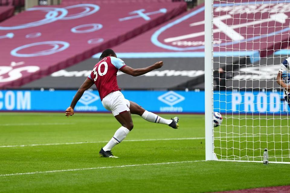 Antonio scores from close range against Spurs last weekend.