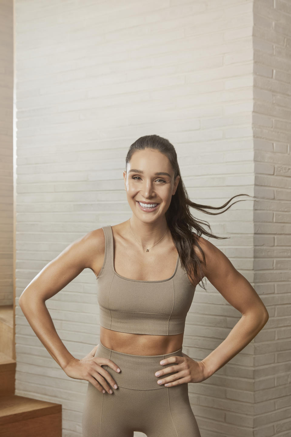 Kayla Itsines created a15-minute low impact workout that is gentle on your joints. (Photo: Kayla Itsines)