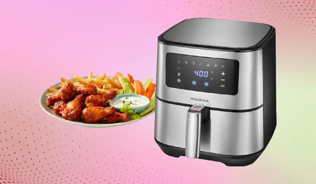 Strike while the (air) fryer is hot: Insignia's top-rated countertop oven is just $60 right now. (Photo: Best Buy)